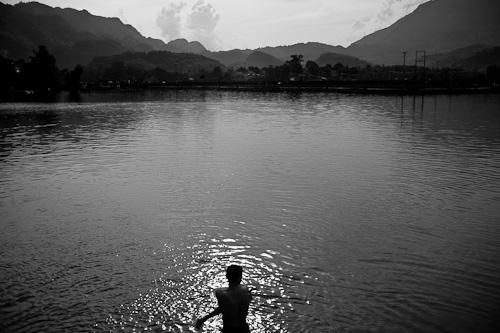 Swimming in Vietnam -4