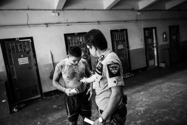 Documentary Photography Thailand Prison Boxing 08