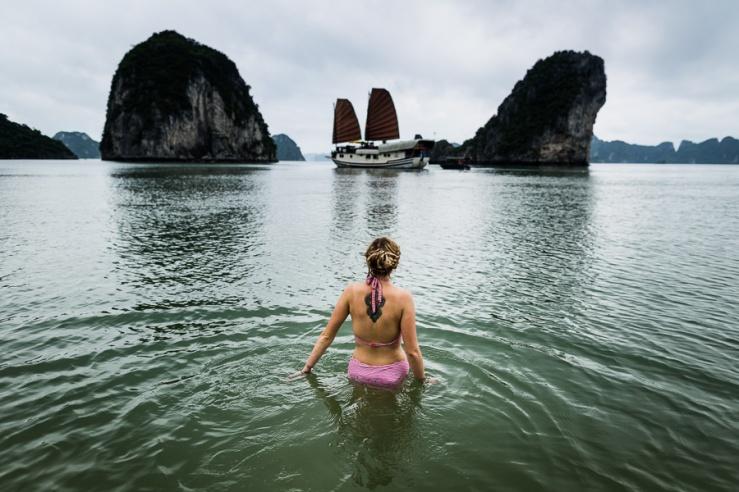 0514 AJS Bai Tu Long Bay Vietnam-458